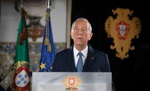 Covid-19: Posse de Marcelo no Parlamento só com 50 deputados e menos de 100 pessoas na sala