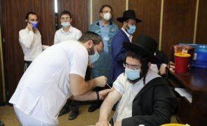 Covid-19: Israel é o país do mundo que mais doses de vacinas administrou