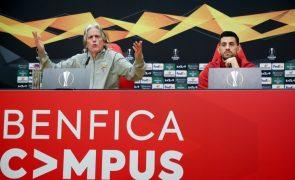 Benfica com convocatória alargada para jogo com o Arsenal