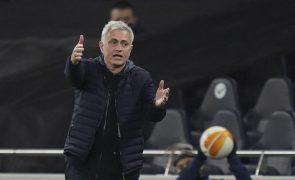 Mourinho coloca Tottenham nos oitavos de final com nova goleada