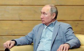 Putin assina várias leis que agravam repressão de manifestantes oposicionistas