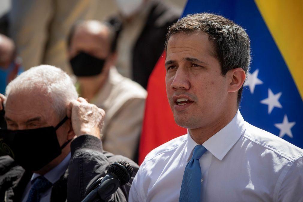 Juan Guaidó solidário com embaixadora da UE alvo de expulsão na Venezuela