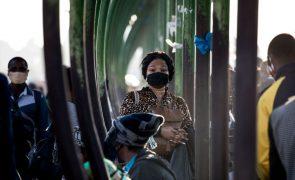 Covid-19: Mais cinco mortes e 677 novos casos em Moçambique