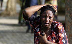 Atacantes raptam um grande número de raparigas de uma escola na Nigéria