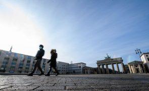 Covid-19: Alemanha regista 394 mortos e 9.997 contágios nas últimas 24 horas