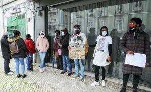 Doentes angolanos em Portugal contra regresso que dizem ser