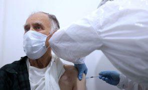 Cerca de 80% das pessoas com mais de 80 anos vacinadas até ao final de março