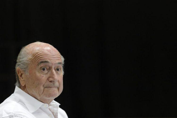 Blatter defende Ronaldo e critica
