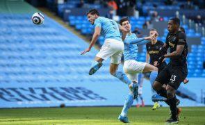 Rúben Dias estreia-se a marcar pelo City no triunfo por 2-1 sobre o West Ham [veja o golo]