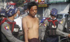 Seis mortos em manifestações pró-democracia em Myanmar [vídeo]