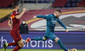 Roma perde e sai dos lugares de 'Champions' em Itália