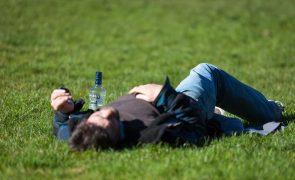 Tribunal retira direito de procriar a alcoólico com demência