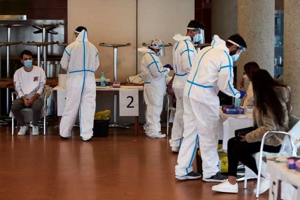 Covid-19: Espanha com mais 15.978 novos casos e 467 mortes