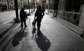 Covid-19: Franca regista 379 mortos nas últimas 24 horas