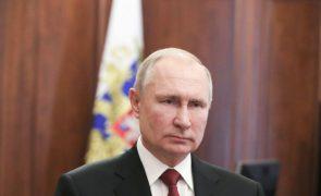 Putin destaca papel de Mikhail Gorbachev no dia do seu 90.º aniversário