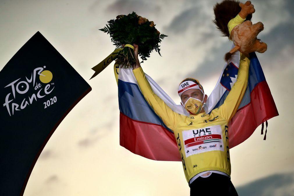 Tadej Pogacar, vencedor do Tour, renova com a UAE Emirates até 2026