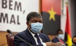 Presidente angolano rejeita racismo no debate sobre dupla nacionalidade de políticos