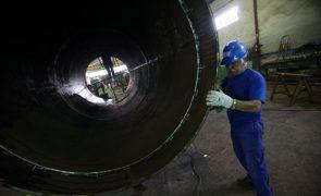 Produção industrial cai 6,5% em janeiro em termos homólogos