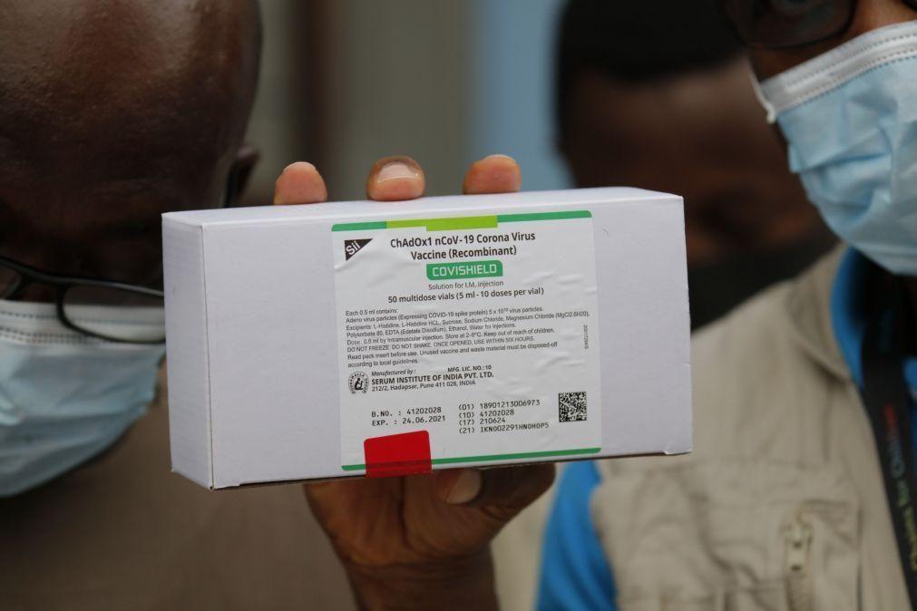 Covid-19: Angola é o primeiro lusófono a receber vacinas da Covax
