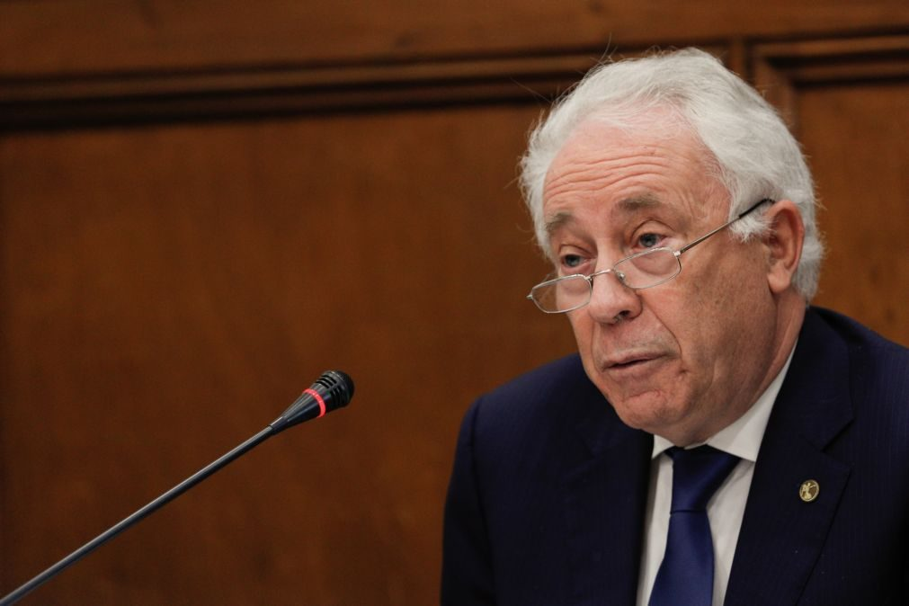 Audições da comissão de inquérito ao Novo Banco arrancam com dificuldades em contactar Carlos Costa