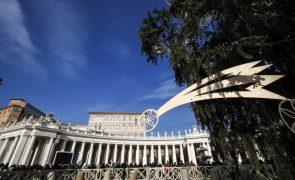 Vaticano defende visita do papa ao Iraque apesar do vírus como