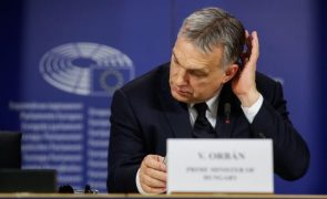 PPE adota novo regulamento interno e partido de Orbán anuncia saída