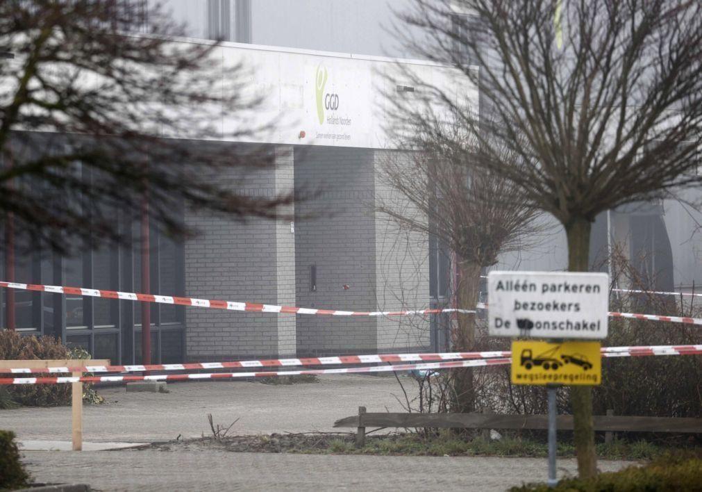 Covid-19: Engenho explosivo deflagrou junto a centro de despistagem na Holanda