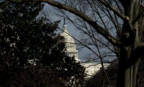Polícia do Capitólio alerta para ameaça de nova invasão do Congresso dos EUA