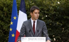 Covid-19: Governo francês estima que situação deve melhorar a meio de abril