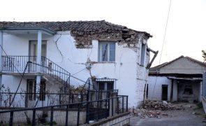 Sismo na região central da Grécia provoca 11 feridos, um deles com gravidade