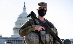 Câmara Baixa dos EUA antecipa fim da sessão face a alerta de ataque ao Capitólio
