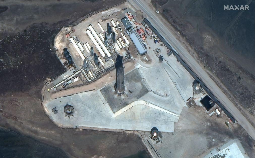 Protótipo da nave espacial da SpaceX explodiu após aterragem no Texas