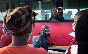 Covid-19: Autoridades moçambicanas alertam para risco de terceira vaga