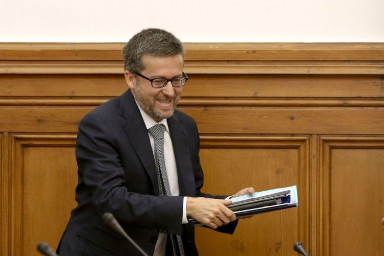 Comissário europeu Carlos Moedas abre seminário diplomático em Lisboa