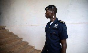 Covid-19: Polícia guineense força a