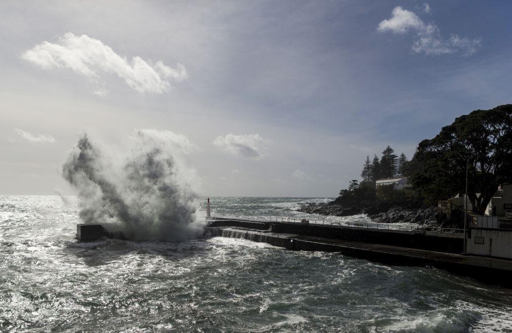 Cientistas ganham financiamento para expedição ao mar profundo dos Açores