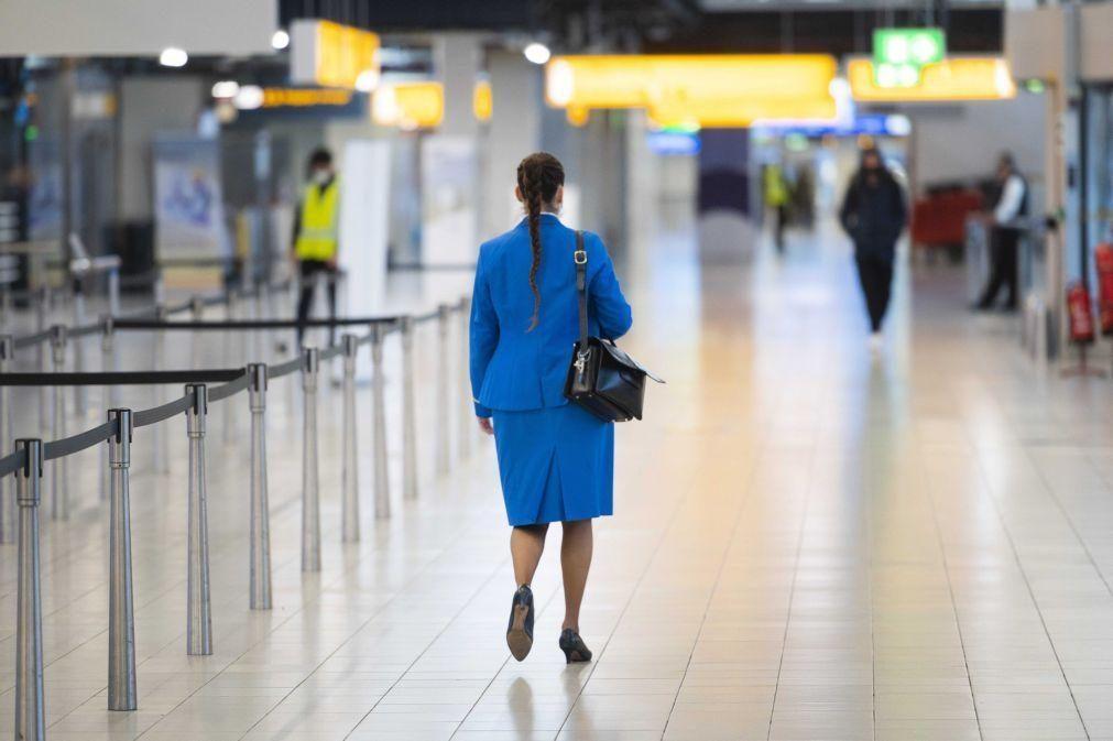 Covid-19: Países Baixos proíbem voos com América do Sul e Reino Unido até 1 de abril
