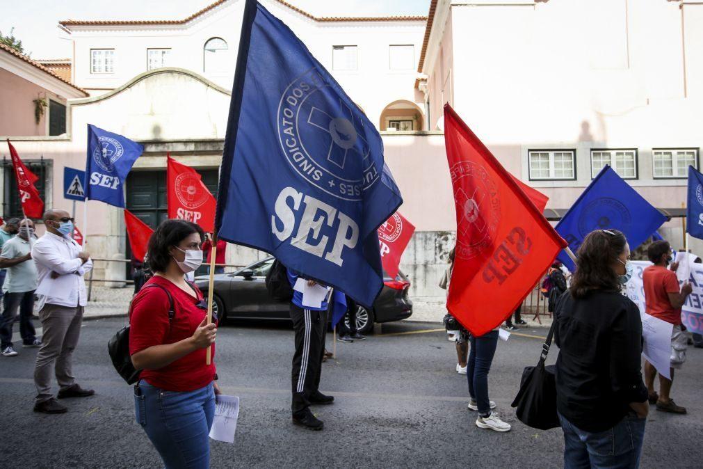 Sindicato alerta para possibilidade de 1.800 enfermeiros serem despedidos