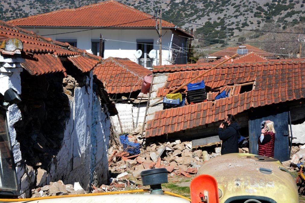 Sismo de magnitude 5,9 volta a atingir o centro da Grécia