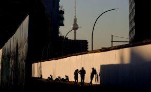 Covid-19: Alemanha regista 10.580 novas infeções e 264 mortes em 24 horas