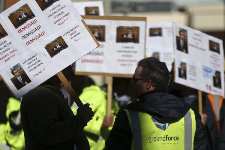 Trabalhadores da Groundforce e Portway decidem no dia 26 greve no fim do ano
