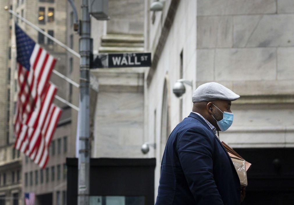 Dados do desemprego deixam Wall Street hesitante