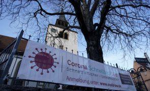 Covid-19: Números na Alemanha a estabilizar com 9.557 novos casos e 300 mortes