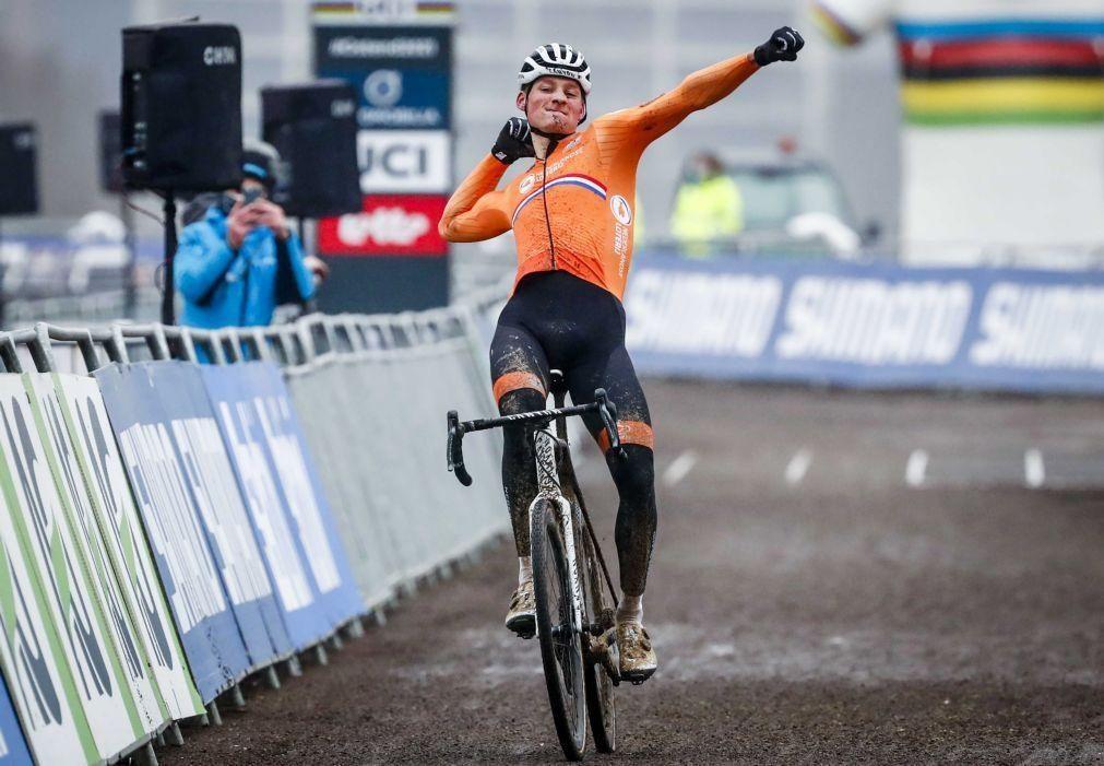 Mathiew van der Poel vence a 15.ª Strade Bianche, João Almeida 40.º