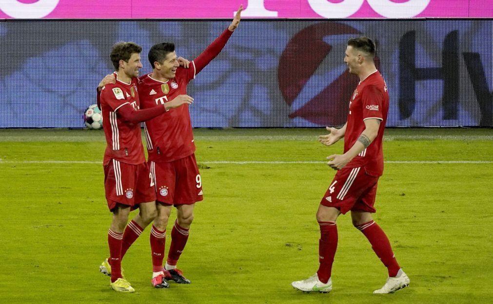 Bayern Munique vence Dortmund com reviravolta e 'hat trick' de Lewandowski
