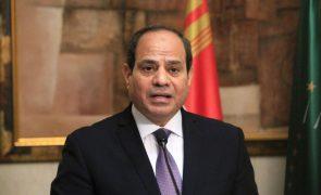 Egito rejeita política de