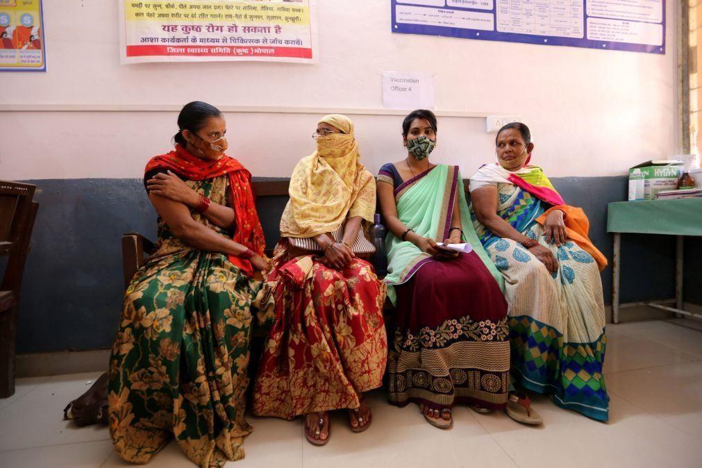 Covid-19: Índia com 100 mortos e 18.711 novos casos