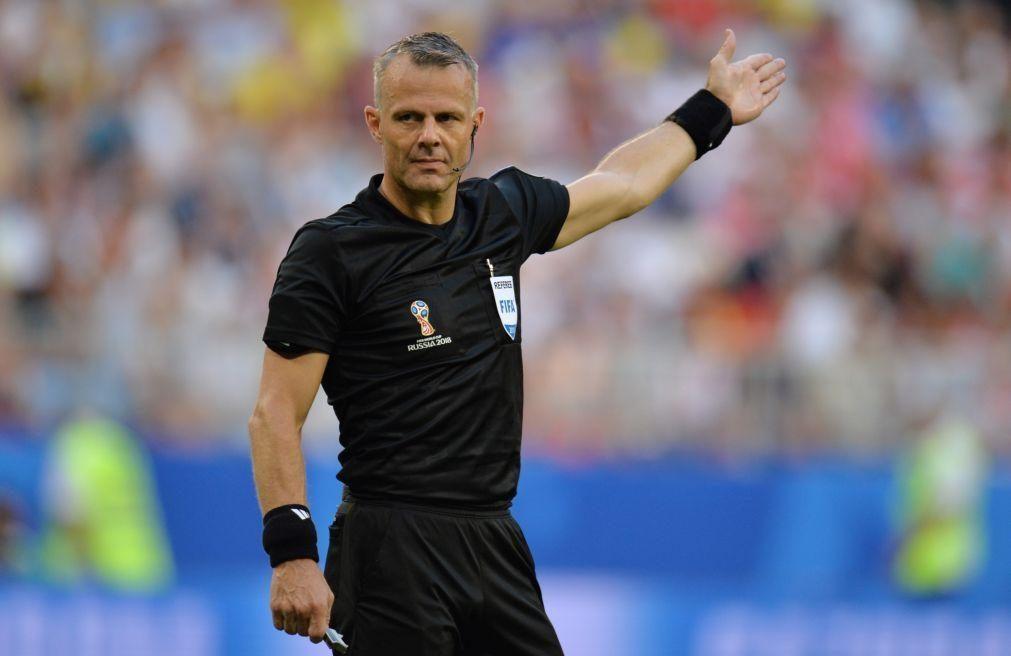 LC: Holandês Bjorn Kuipers arbitra jogo entre Juventus e FC Porto