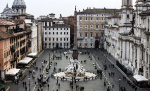 Covid-19: Itália soma 20.765 casos diários com autoridades a temerem nova vaga