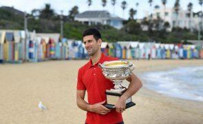 Djokovic bate recorde de Federer e Sousa segura 100.º lugar do 'ranking' ATP